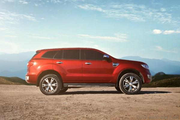 New Ford Everest-Side