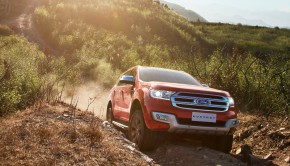 New Ford Everest-Track
