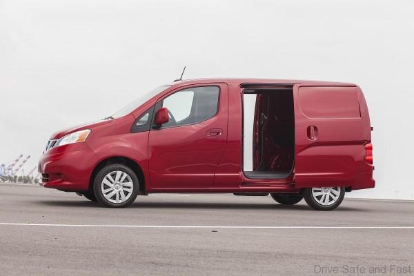 The popular NV200 Compact Cargo van provides large cargo capacity with a small exterior footprint. It offers an efficient 2.0-liter 16-valve 4-cylinder engine, a new, next-gen Xtronic transmission and a roomy cargo area, which allows for loading standard U.S. 40x48-inch pallets.