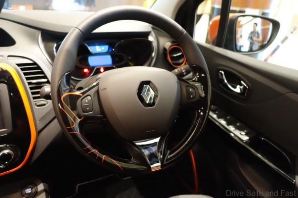 Renault-Captur-Steering
