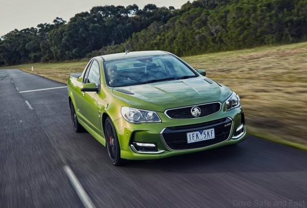 Holden-VFII_Commodore_2016_02