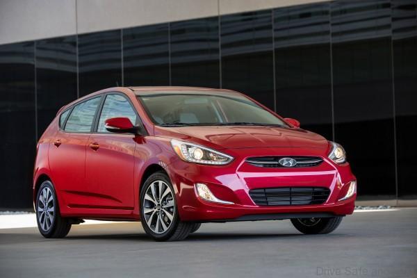Hyundai-Accent-910