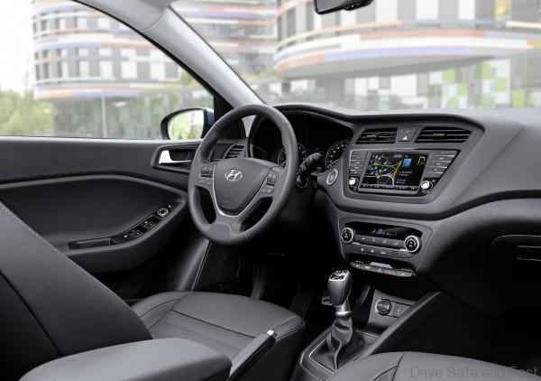 Hyundai-i20_Active_2016_1