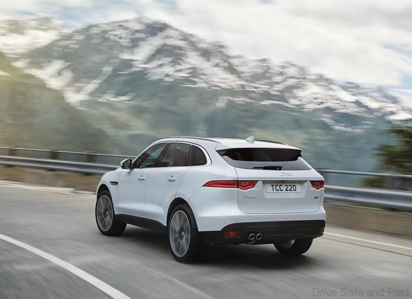Jaguar-F-Pace_2017_1024x768_wallpaper_20