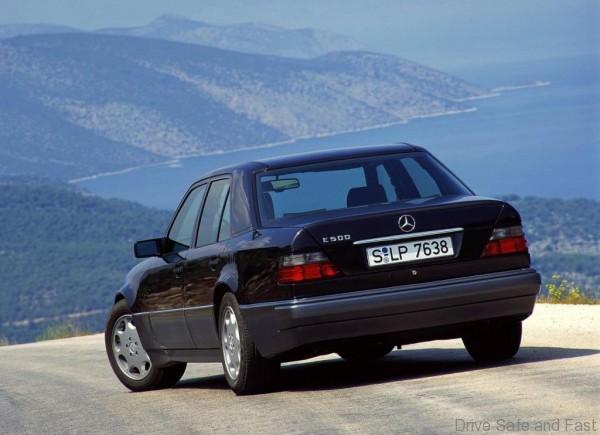 Mercedes-W124-5