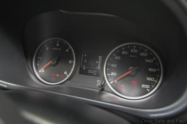 Mitsubishi Triton 2015 (9)
