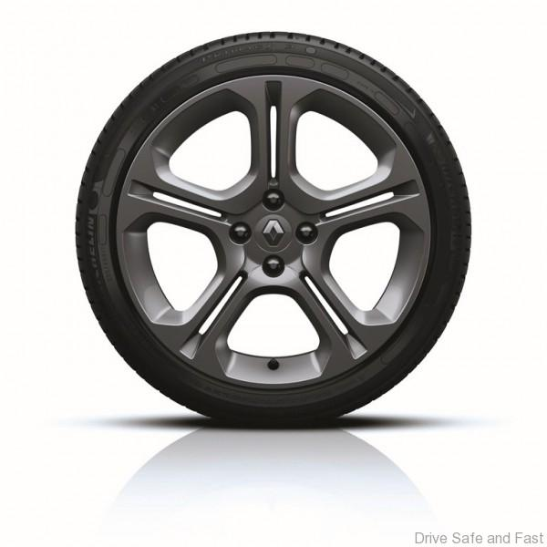 New Renault CLIO GT LINE_17-inch alloy wheels