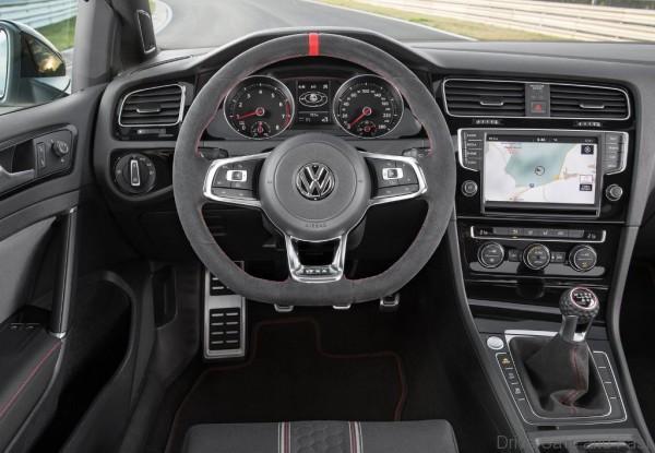 Volkswagen-Golf_GTI_Clubsport_2016_12