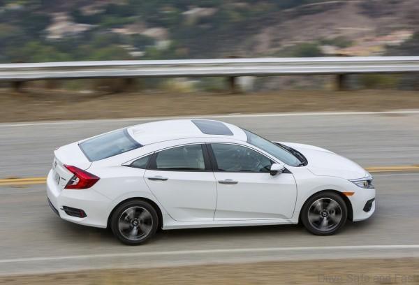 Honda-Civic_Sedan_2016_15