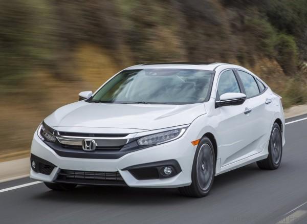Honda-Civic_Sedan_2016_18