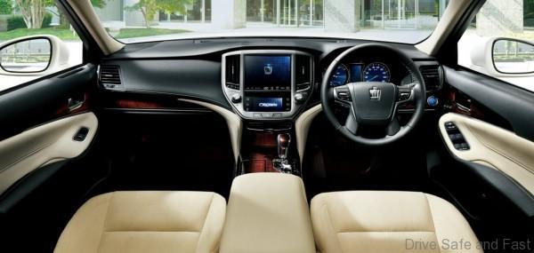 Toyota crown majesta7