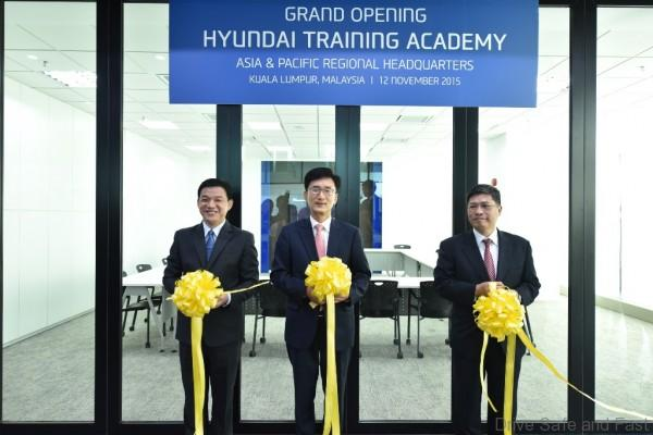 Officiating the Opening of the Asia Pacific Hyundai Training Academy are L to R Mr Lau Yit Mun, Mr Park Sang-Min and Mr Dennis Ho