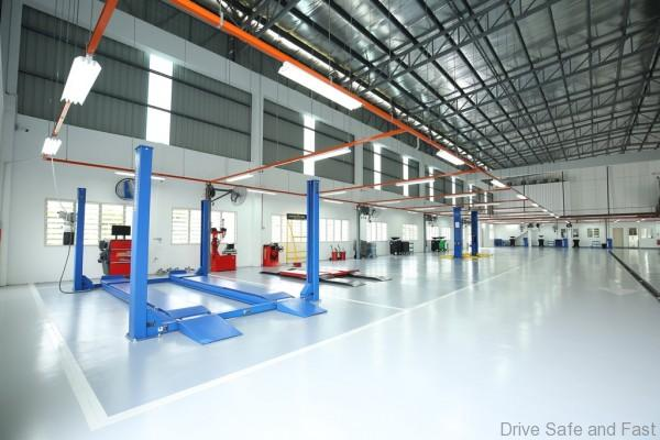 Pic 9 - Well-equipped service bays at SAG Ultimate