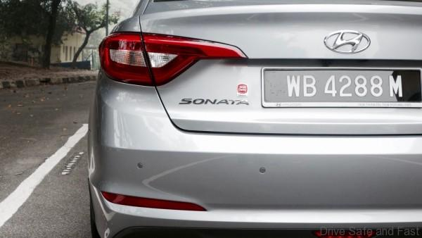 Hyundai-Sonata-Review- - 10
