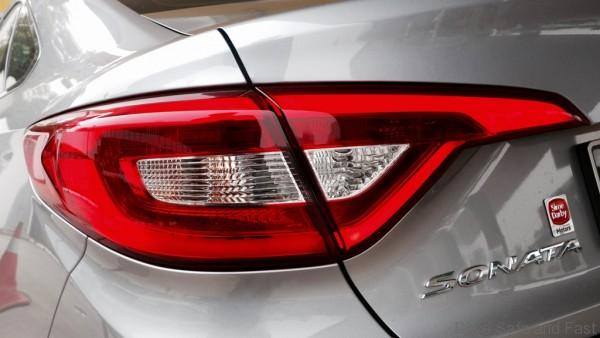 Hyundai-Sonata-Review- - 14