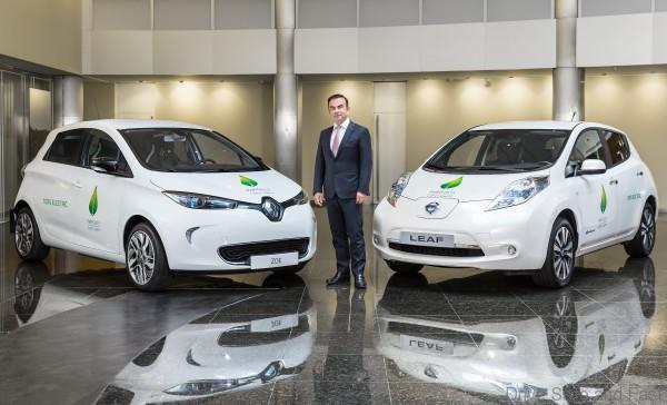 La flota de vehículos para la COP21 incluirá el vehículo 100 por ciento eléctrico más vendido del mundo Nissan LEAF y la van multipropósitos Nissan e-NV200.