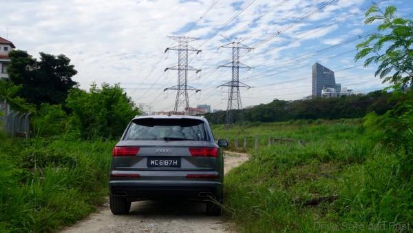 Audi-Q7- - 19