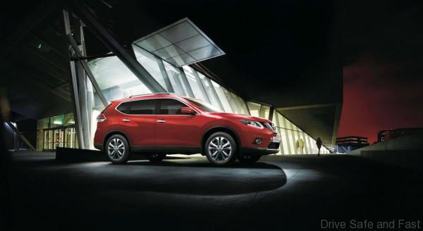 Nissan X-TRAIL_Flaming Red