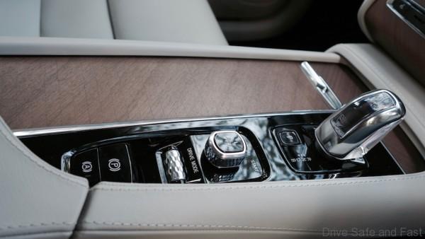 Volvo-XC90- - 14