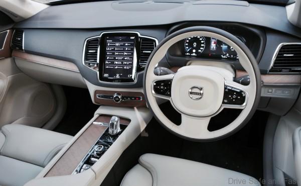 Volvo-XC90- - 15
