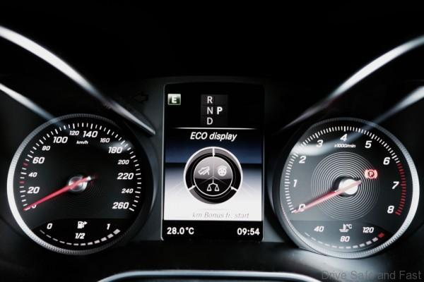 Mercedes-Benz-GLC-250 - 17