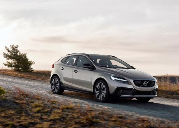 Volvo-V40_Cross_Country_1