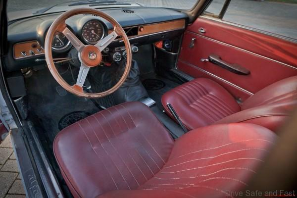 Alfa-Romeo-GT-Junior-1600-1973interior