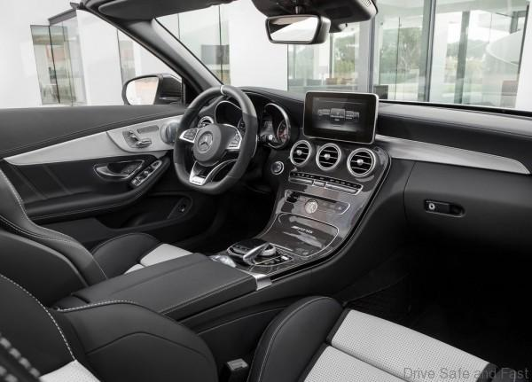 Mercedes-Benz-C63_AMG_Cabriolet_2017_1024x768_wallpaper_13