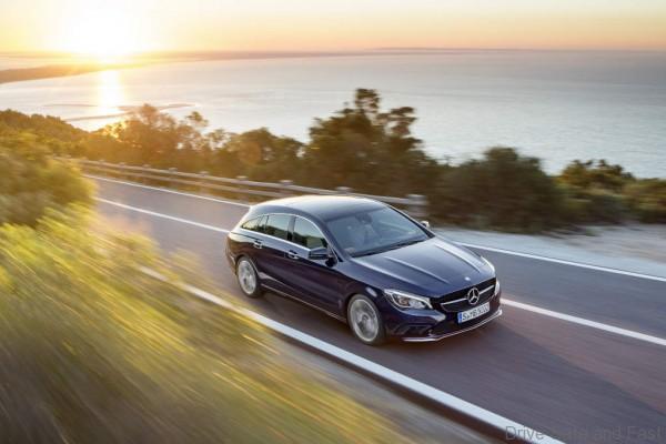 Mercedes-Benz CLA 250 4MATIC Shooting Brake (X117) 2016. Canvasitblau, Interieur schwarz-beige. Kraftstoffverbrauch (l/100 km) innerorts/außerorts/kombiniert: 8,7/5,5/6,7; CO2-Emissionen kombiniert: 154 g/km Mercedes-Benz CLA 250 4MATIC Shooting Brake (X117) 2016. Canvasite blue, Interior black-beige. Fuel consumption (l/100 km) urban/ex urban/combined: 8.7/5.5/6.7; combined CO2 emissions: 154 g/km