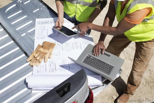 OnStar 4G LTE allows workers to utilize their vehicle as a mobile office, allowing them to stay connected, email and more while parked at job sites.