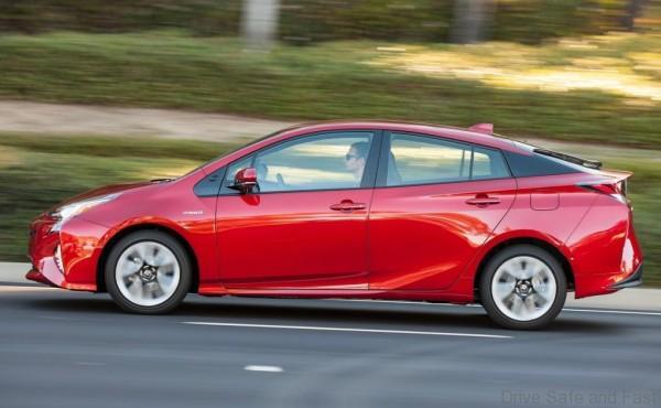Toyota-Prius2