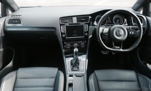 Volkswagen-Golf-R - 10