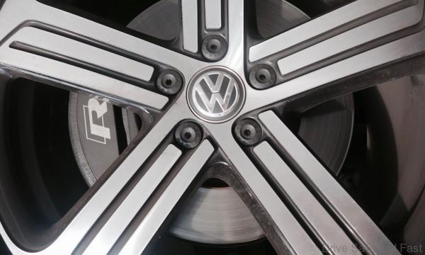 Volkswagen-Golf-R - 6