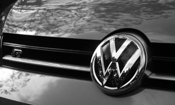 Volkswagen-Golf-R - 8