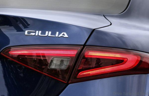 Alfa_Romeo-Giulia-2016-1600-12