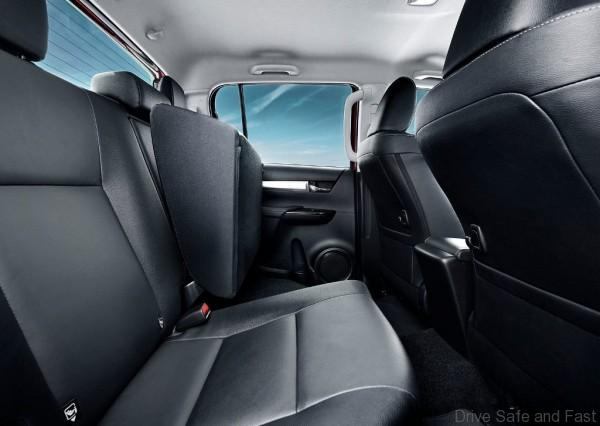 Toyota-HiLux-2016-16