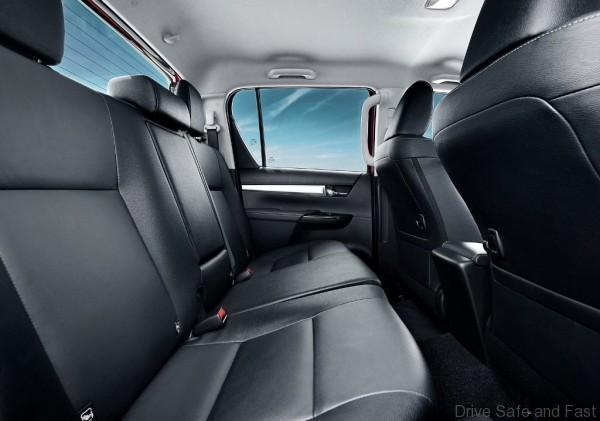 Toyota-HiLux-2016-17