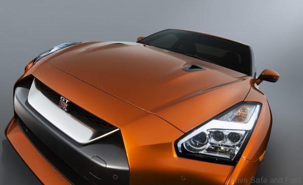 Nissan GT-R-4