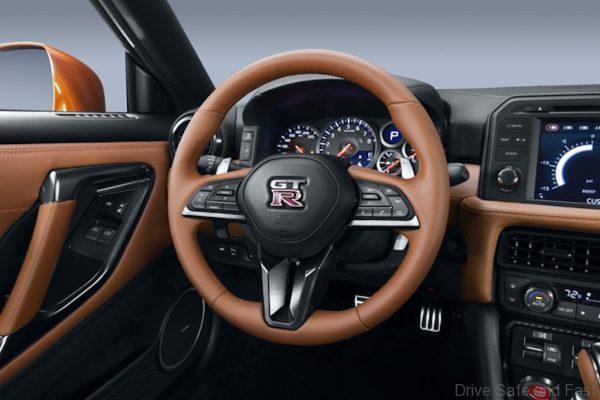 Nissan GT-R-7