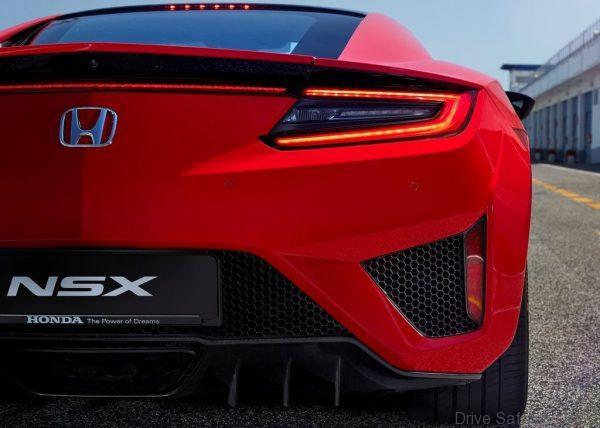 Honda-NSX-2017-1