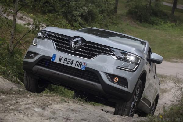 All-new Renault Koleos_uphill on location 2