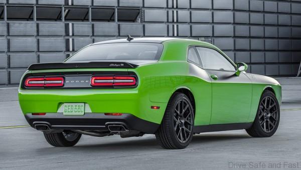 Dodge Challenger TA 1