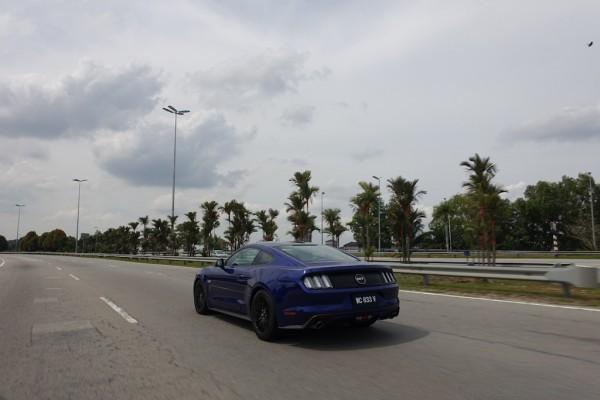 Ford-Mustang-GT-34