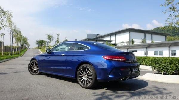 Mercedes-Benz-C-Coupe-C250-9