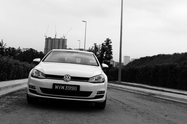 VW-GOLF_TSI-2
