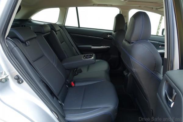 Subaru-Levorg-17