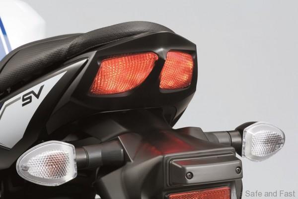 sv650_a_l7_taillight