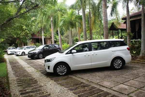 2017 Kia Grand Carnival First Impressions Drive Safe And Fast