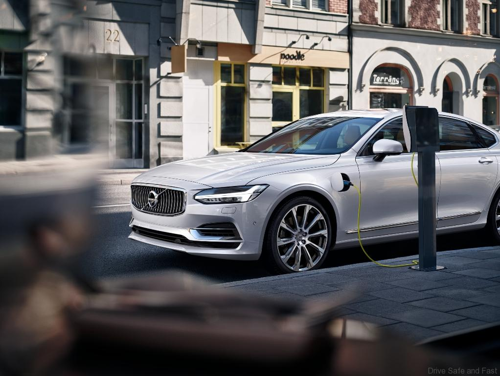 Volvo S90 T8 Twin Engine CKD Now Open for Orders
