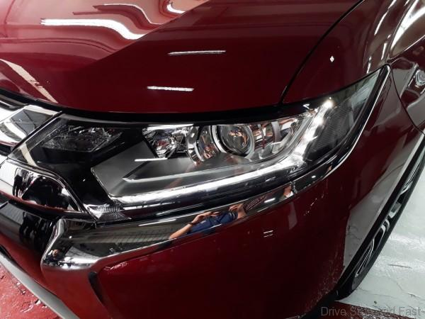 Mitsubishi Outlander SUV headlamps